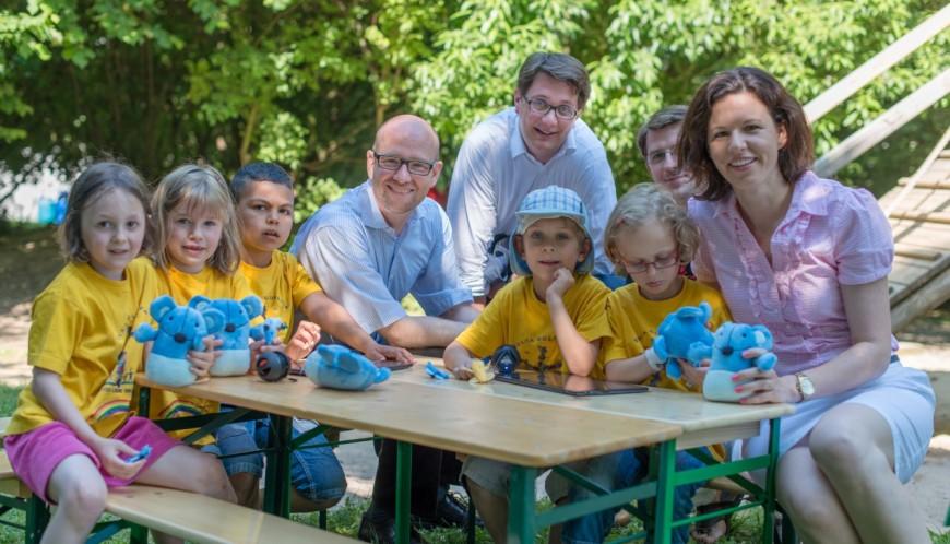 Bei der Übergabe des Schlaumäuse-Pakets mit meinem Kollegen Dr. Peter Tauber in der evang. Kita Goldregen in Schöneck-Kilianstädten