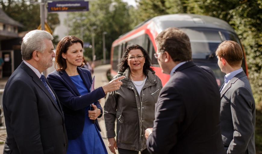 Im Gespräch mit meinen Kollegen aus dem Hessischen Landtag Hugo Klein (l.) und Michael Reul (r.).
