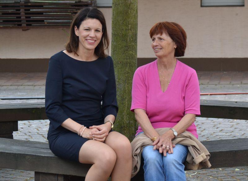 2015-07-29 Dr  Katja Leikert - Flüchtlingshilfe Bruchköbel