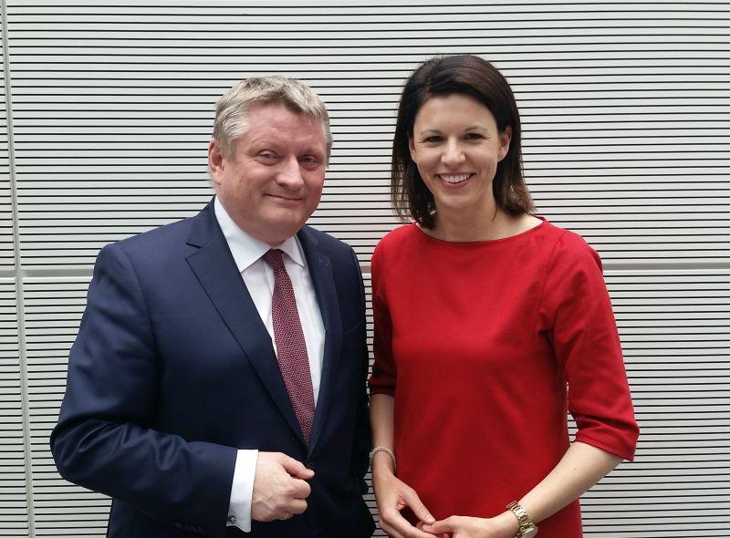 Bundesgesundheitsminister Hermann Gröhe und Dr. Katja Leikert