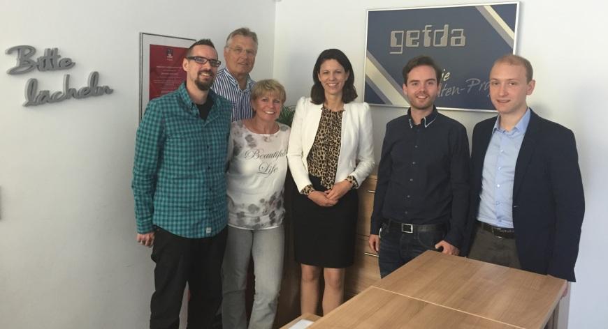 2016-06-28 Dr. Katja Leikert - Unternehmensbesuch Gefda Langenselbold